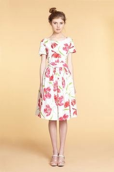 Blumiges Sommerkleid // Floral garden party dress by mrspomeranz via DaWanda.com