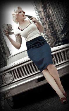Ladies - Pullover - Bright Lady Marilyn … Top Choice for Rockabellas ☎ Order-Hotline ★ Stuff by Rockabilly Rock, Rockabilly Fashion, Retro Fashion, Vintage Fashion, Vintage Rock, Vintage Girls, Pin Up Girls, Marilyn Monroe, Classic Cars
