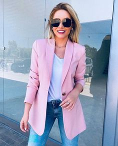 20 women's business casual blazer styles 3 Pink Blazer Outfits, Blazer Outfits For Women, Casual Blazer, Blazers For Women, Chic Outfits, Fashion Outfits, Ladies Blazers, Summer Outfits, Business Casual Outfits