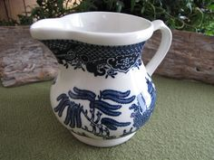 Blue Willow cream pitcher 1989 Churchill Made in by LazyYVintage $10.00 http://www.etsy.com/shop/LazyYVintage
