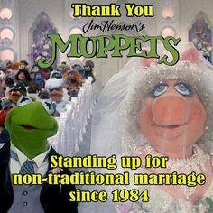Love Kermit & Piggy = non-traditional couple