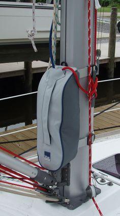 Beneteau Oceanis 31 suggested mast bag storage