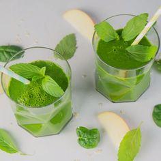 In diesem Smoothie steckt die volle Power: Green-Smoothie mit Minze | eatsmarter.de #smoothie #greensmoothie #spinat #frühstück #vegan #vegetarisch