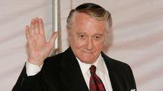 Robert Vaughn in 2007.Actor Robert Vaughn, best known as the secret agent Napoleon Solo in The Man from UNCLE, has died aged 83.