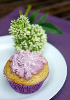 Experimente aus meiner Küche: Cupcakes mit Brombeerfüllung