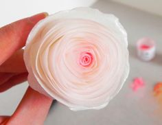 "Wafer ""Bouquet"" Rose Tutorial (Kara's Couture Cakes)."