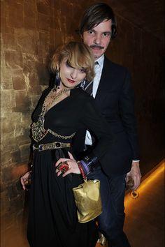 "fabulous Catherine Baba!! Fashion Week After-Parties for Chanel 2012 ------- 現年已經70多歲的Catherine Baba現在仍活耀於時尚圈,她作的造型或許不是最頂尖的,但是強烈的個人風格,讓她獲得了""巴黎最時髦的女人""之稱。"