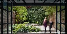 small urban garden design - i love the ivy wall Vertical Gardens, Small Gardens, Outdoor Gardens, Indoor Gardening, Urban Gardening, Organic Gardening, Modern Landscape Design, Modern Landscaping, Landscaping Design