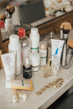 French cult beauty products - barefoot blonde by Amber Fillerup Clark hacks for teens girl should know acne eyeliner for hair makeup skincare Beauty Care, Beauty Skin, Beauty Tips, Diy Beauty, Beauty Ideas, French Beauty Secrets, Face Beauty, Homemade Beauty, Beauty Makeup