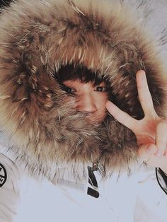 """imagine he sends this pic to you and writes """"stay warm babe"""""""