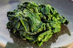 Steamed spinach takes only minutes on the stove top or in the microwave, and once you have the leaves soft and warm, you can use them in a variety of dishes. Cooking Light Recipes, Cooking 101, Frozen Spinach Recipes, Steamed Spinach, Canned Blueberries, Vegan Scones, Scones Ingredients