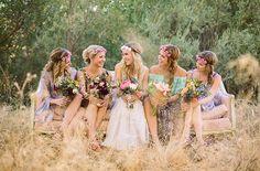 Cortes sueltos, sin corsés, ni tules, ni faldas voluminosas: las novias contemporáneas parecen estar fascinadas con los estilos más frescos y optan por los entornos naturales y la sencillez.