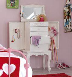 cute dresser from Woonexpress