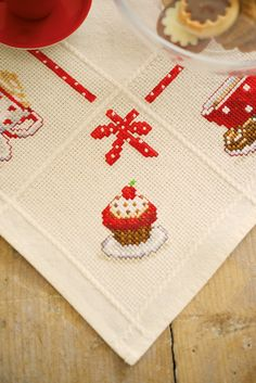 vervaco, cross stitch, table cloth, cupcake, cookies, coffee, dining table, detail, cherry, embroidery, red