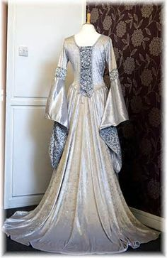 Gowns Pagan Wicca Witch:  Medieval #gown, by Obsidian Gothic.
