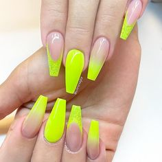 Amazing Ideas How to Ombre Nails for Your Inspiration ★ See more: https://naildesignsjournal.com/how-to-ombre-nails-ideas/ #nails