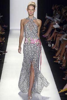 http://www.vogue.co.uk/fashion/spring-summer-2006/ready-to-wear/carolina-herrera/full-length-photos/gallery/130554