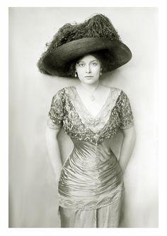 Grace La Rue (1880-1956)