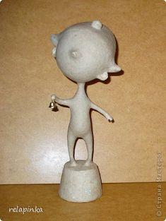 Очень подробный МК по созданию статуэтки из папье-маше: gfynb — ЖЖ Decorative Bells, Bottle Opener, Clay, Dolls, Paper, Handmade, Crafts, Design, Paper Mache