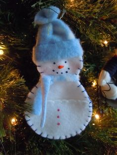 Pocket Snowman Christmas ornament sewing pattern; Christmas craft idea