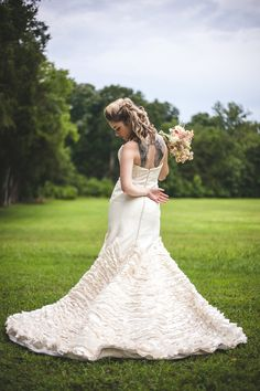 Glam Punk Princess Bride Wedding Style | Maddie K. Doucet Photography | See More! http://heyweddinglady.com/punk-princess-bride-wedding-styl...