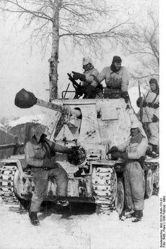Marder III tank destroyer of German Leibstandarte-SS Adolf Hitler at Kharkov, Ukraine, Feb-Mar 1943 ======================= Мардер III немецкий истребитель танков  Лейбштандарт СС Адольф Гитлер в Харькове, Украине, в феврале-марте 1943