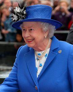 La Reina Isabel II se mantiene comunicada con sus nietos por Skype
