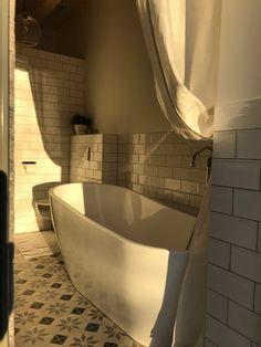 Bemutatom a … – A cseppet sem mellékes helyiségeket – Mindenüttjóde Corner Bathtub, New Homes, Bathroom, House, Washroom, Home, Full Bath, Bath, Bathrooms