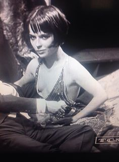 Old Hollywood Glamour, Classic Hollywood, Sound Film, Little Girl Models, Silent Film Stars, Louise Brooks, Ancient Beauty, Tina Fey, Foto Art