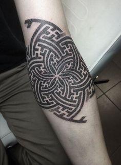 Giena Todryk #taktoboli #gienatodryk #amazingtattoo #tattoo #inked #ink #todryktattoo #todriktattoo #maze #labirynt #mandala #graphic
