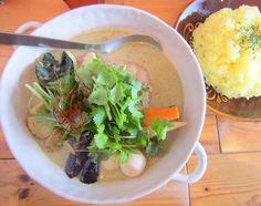 清田3条2『トムトムキキル』グリーンカレー 追加のパクチーが香るグリーンカレーですが、野菜が満載なので昼前にカレーを食べても罪悪感はございません。むしろ、これはヘルシー料理でございますよ。 しかし、これにハマるとやばい!  Google+