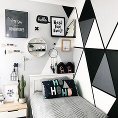 Get motivated with ideas as well as photos of kids's spaces to freshen or re-create your house. Below we provide countless design ideas for every space in each style. Bedroom Wall Designs, Room Design Bedroom, Boys Bedroom Decor, Teen Room Decor, Room Ideas Bedroom, Home Room Design, Small Room Bedroom, Cute Room Decor, Wall Decor