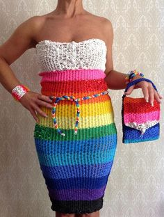If you want make this dress go to my site: http://freeloomtutorial.com and you watch how to make this !