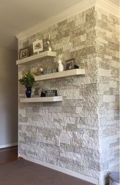 Unique Wall Tiles Design Ideas For Living Room - Andaziyar Airstone Wall, Airstone Fireplace, Fireplace Wall, Stone Wall Living Room, Feature Wall Living Room, Accent Walls In Living Room, Faux Stone Walls, Stacked Stone Walls, Stone Accent Walls