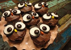 How To Make Owl Cupcakes They Were Really Quite Easy To Make Look Fantastic In A Big Flock Owl Themed Baby Shower Cupcakes Owl Cupcakes, Baby Shower Cupcakes, Baking Cupcakes, Birthday Cupcakes, Cupcake Cakes, 16th Birthday, Cupcake Recipes, Birthday Ideas, Yummy Treats