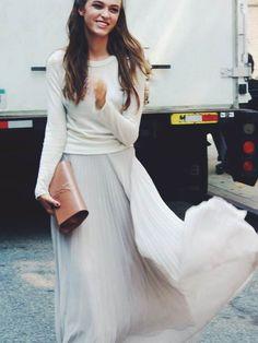 36 Outfits, die zeigen wie Du Deinen Pullover jetzt tragen willst!