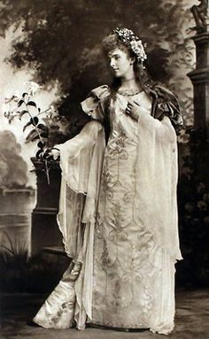 Lady Alice Montagu as Laure de Sade, an ancestor of the Marquis de Sade ; the Duchess of Devonshire's Jubilee Costume Ball of 1897