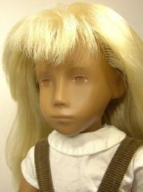 Sasha blonde Serie girl  no Navel with brown / res eyes 1 9 6 7
