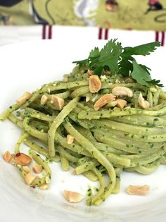 Vegan Linguine with Thai Pesto – Robin Robertson #RawVegan