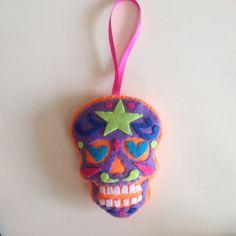 Calaverita star by Seasonfall on Etsy #calavera #calaca #calaverita #caveira #sugarskull #skull #tattooskull #tattoo #tatuaje #tatuagem #tatouage #oldschooltattoo #traditionaltattoo #mexicanskull #crane #mexicanart #tetedemort #diadelosmuertos #dayofthedead