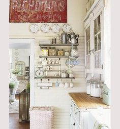 Like the feel of this chabby chic kitchen