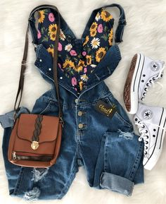 No photo description available. Cute Casual Outfits, Outfits For Teens, Pretty Outfits, Look Fashion, Girl Fashion, Fashion Outfits, Womens Fashion, Fashion Trends, Kinds Of Clothes