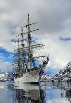 Old Sailing Ships, Tall Ships, Sailboats, Painting, Night Club City, Sailing Yachts, Ships, Candle, Vintage Boats