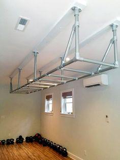 Homemade Gym Equipment Ideas to Build Your Own Gym - (Outdoor) Gym Inspirations - Home Gym Home Gym Garage, Diy Home Gym, Home Gym Decor, Basement Gym, Home Gyms, Gym Room At Home, Garage Bar, Garage Storage, Homemade Gym Equipment