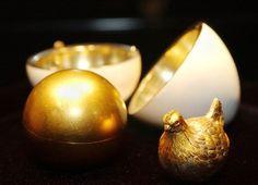 Das erste Osterei von Fabergé.