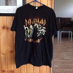Def leopard tour shirt 2009 Def leopard 2009 tour shirt size Xl Tops Tees - Short Sleeve