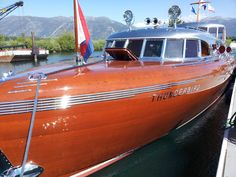 Launched in by a man so rich he owned pretty much the entire east shore of Lake Tahoe, the Thunderbird represents the absolute hight of art deco wooden boat design. Boat Crafts, Water Crafts, Old Boats, Small Boats, Classic Wooden Boats, Classic Boat, Wooden Speed Boats, Art Deco, Art Nouveau
