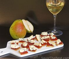 Pear Paste, pears cooked to a thick jelly, cut into squares and served with blue cheese on crackers. Your guests will enjoy these appetizers. Pate Recipes, Cooking Recipes, Fruit Paste Recipe, How To Cut Melon, Thanksgiving Recipes, Holiday Recipes, Quince Recipes, Cheese Festival, Mint Jelly