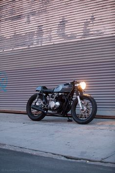 Pure | Simple | Clean Honda 550 Cafe Racer
