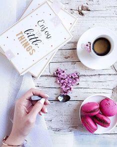 Good morning!!! #moodoftheday #happysunday #sun#breakfasttime #coffee #relaxing #home#sundayvibes